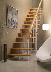 Продается недорогая лестница